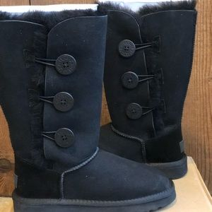 Ugg bailey bow triple II tall boots size 5